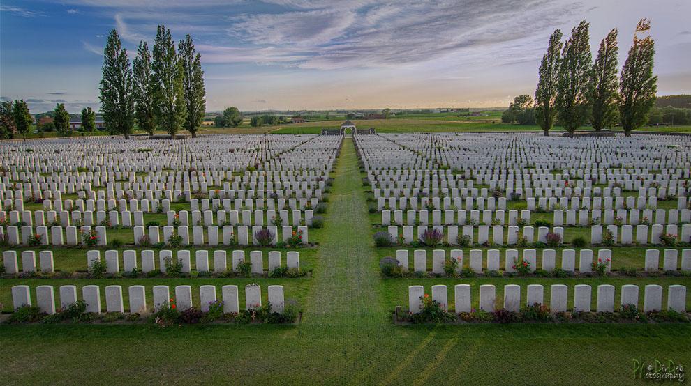 tyne-cot-cemetery-belgium.jpg