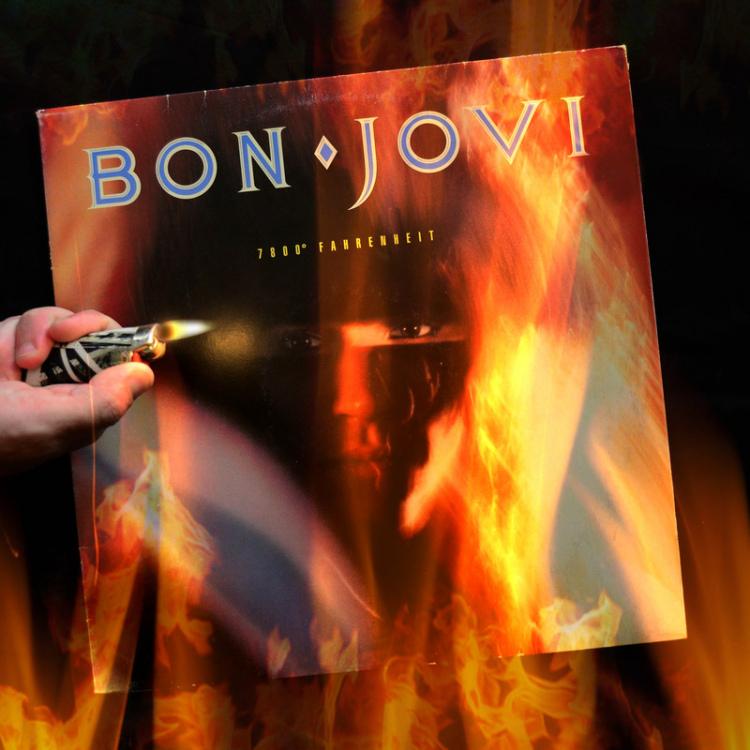 Bon-Jovi-7800-Fahrenheit.jpg